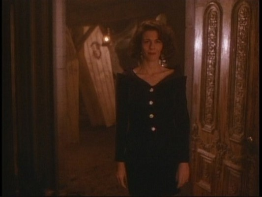 3x10-Mournin-Mess-tales-from-the-crypt-13059680-500-375 (Αντιγραφή)